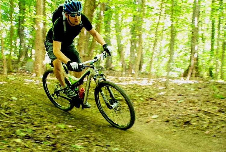 Jak schudnąć jeżdżąc na rowerze? - sunela.eu